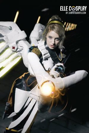 elle-cosplay-overwatch