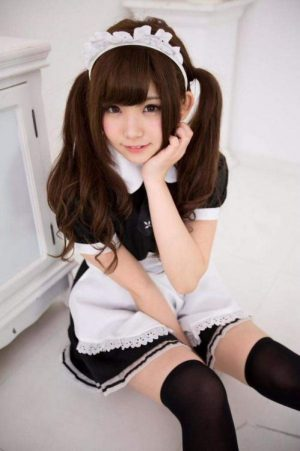 cosplayer-enako-maid-cafe